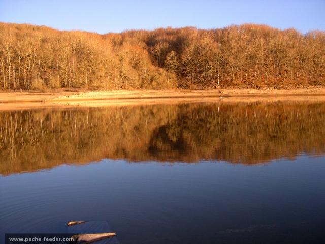 Le soleil en hiver au Lac de Pareloup