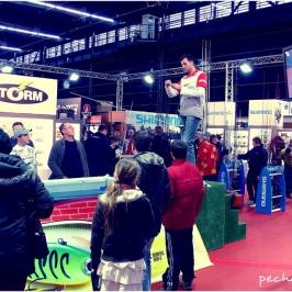 Démonstration de pêche au salon de la pêche de Clermont-Ferrand.