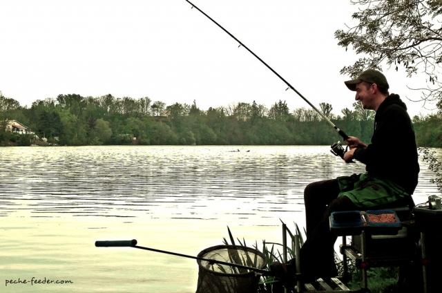 Pêche au quiver tip sur le Tarn Lac de Rivière