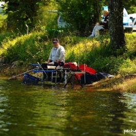 Pas de place pour les pêcheurs au lac de Pareloup