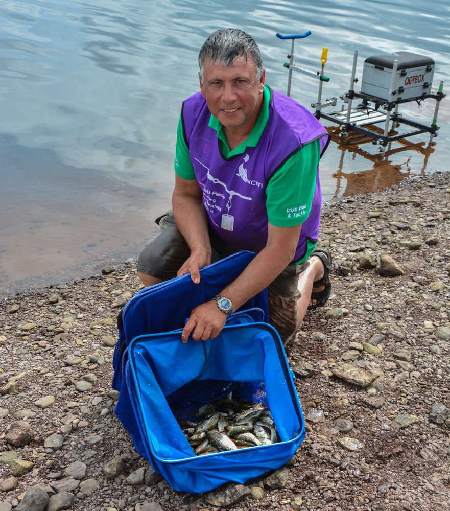 lough-allua-feeder-petits-poissons-11