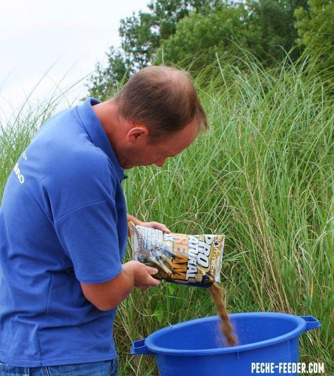 pour-viser-les-plaquettes-mieux-vaut-employer-une-amorce-ciblée,-riche-pour-maintenir-les-poissons-en-appetit-et-travaillant-beaucoup