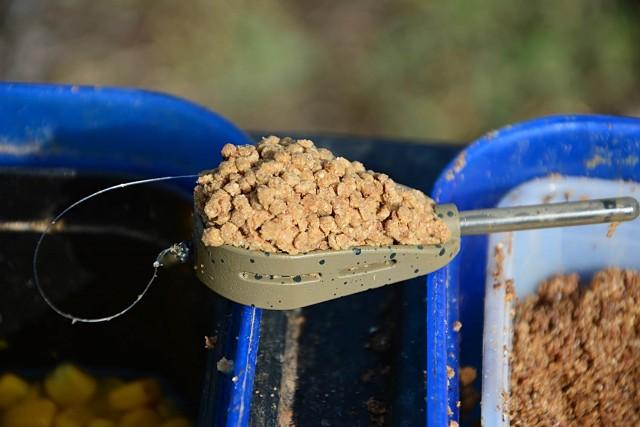 hybrid-feeder-guru-pellets-2