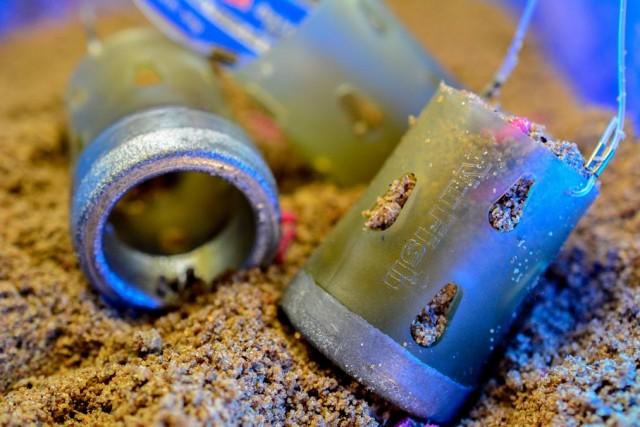 Zippla feeder de NuFish s'urilise comme un feeder ouvert