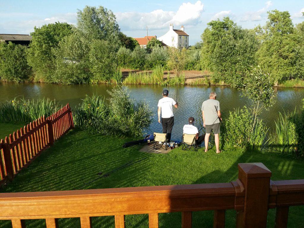 peche-du-soir-lindholme-lakes-carpodrome-angleterre
