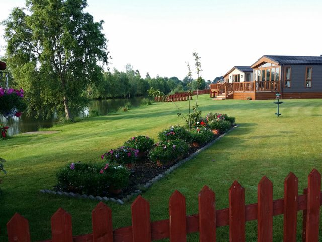 vue-top-lodge-lindholme-lakes-carpodrome-angleterre