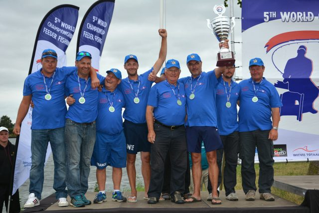 podium-championnat-monde-feeder-bernard-bodineau-yvon-houssais
