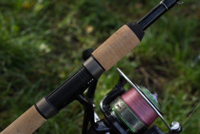 canne-feeder-sensas-black-arrow-800-10