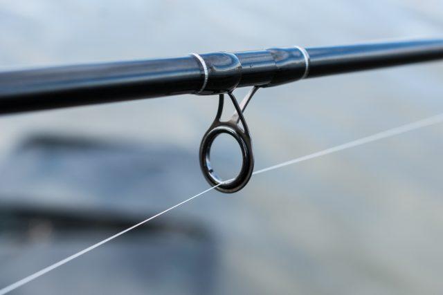 canne-feeder-sensas-black-arrow-800-7