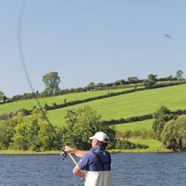 Reigning-World-Champion-England-Feeder-team-man,-Mick-Vials-puts-in-a-cast-on-Garadice-Lake---low-res