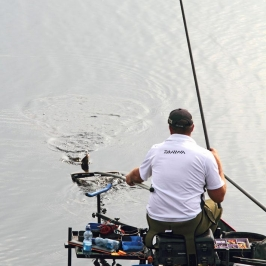 Steve-Ringer-works-hard-to-stay-in-the-hunt-for-the-Daiwa-Cup---low-res