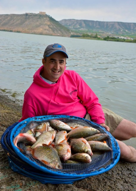 big-roach-feeder-fishing-vincent-hurtes