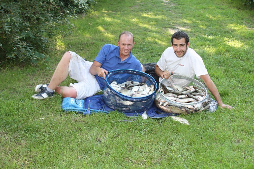 Le Lac de Fishabil est sûrement le lac le plus poissonneux où j'ai eu la chance de pêcher. Avec mon compère Florian, notre bourriche de près de 57 kg de plaquettes lors de la 1ère manche 2014 !