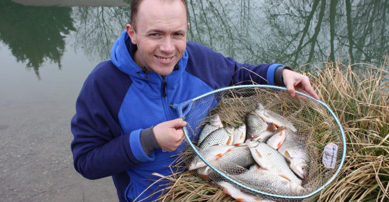 Photo de Montage de ligne pour la pêche au coup du gardon