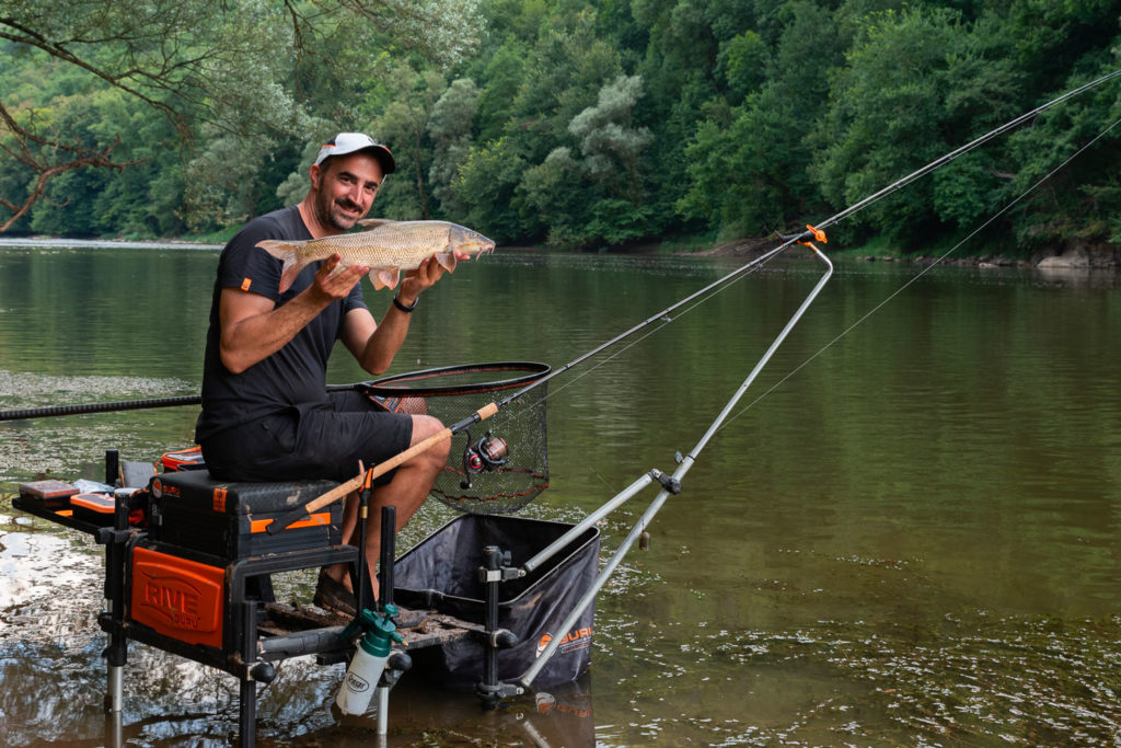 Une technique adaptée à la pêche en rivière des beaux poissons.