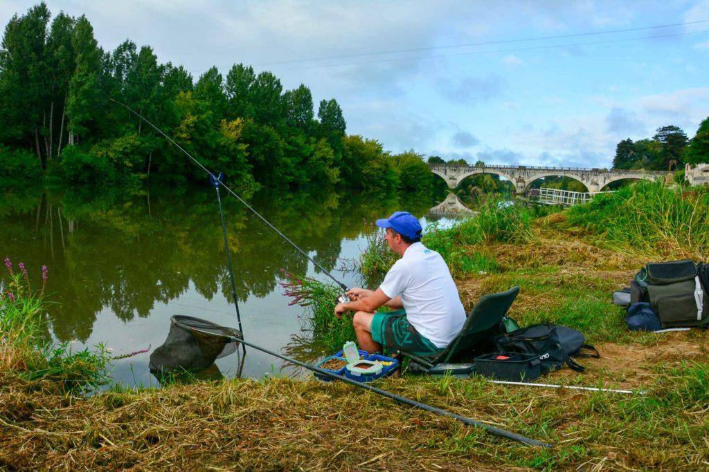 En lac, étang, canal, rivière, fleuve ... tout est possible avec le feeder!