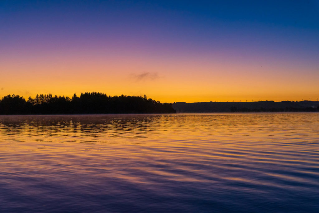 soleil levant à Pareloup.